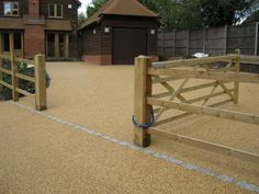 Specialists in the installation of resin bound gravel paving in Penkridge 5 for driveways, public paths and decorative surfacing areas. We can offer quotes and designs for a variety of different resin bound specifications. Permeable Driveway, Resin Driveway, Gravel Driveway, Resin Bound Gravel, Resin Bound Driveways, Shingle Driveway, Decorative Aggregates, Driveway Design, Driveway Ideas