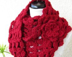 CROCHET COWL PATTERN Cowl Scarf With Flower por LyubavaCrochet