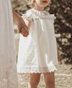 Mother Of The Bride, Cute Kids, Wedding Planner, Kids Fashion, White Dress, Flower Girl Dresses, Girly, Wedding Dresses, Clothes