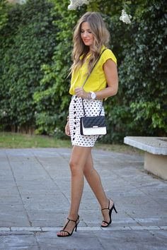 YELLOW & DOTS... 10-7-2014  Falda / Skirt: Abaday.com (New) Camisa / Shirt: Zara (Old) Sandalias / Sandals: Zara (Sales S/S 14)