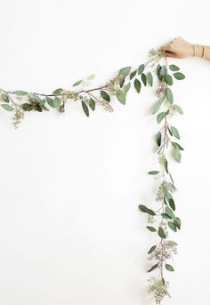 12 DIY holiday decorations