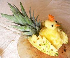 Gallo con l'ananas
