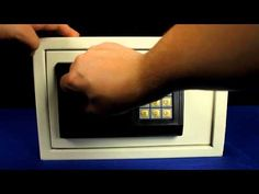 How To: Crack Combination Lock (3 seconds, no tools) - YouTube
