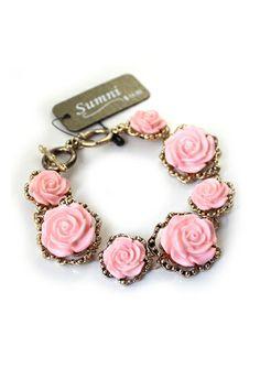 REGISTER ON PERSNMALL.COM Beautiful Seven Rose Flower Bracelet