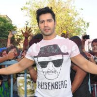 Varun Dhawan Promotes Badlapur At Gaiety Cinema In Mumbai | StarsCraze