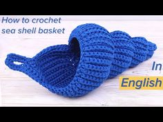 Learn to crochet easy spiral seashell basket. This big spiral seashell basket is possibly one of the cutest I've ever seen in our crochet life. Crochet Home, Love Crochet, Learn To Crochet, Crochet Gifts, Easy Crochet, Crochet Baby, Knit Crochet, Spiral Crochet, Crochet Shell Pattern