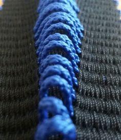 Bandweben mit 3D Effekt. Manuel Wandl 2017 Kette: Baumwolle; Schuß: Baumwolle & Polypropylen Band, Weaving, Necklaces, Cotton, Sash, Loom Weaving, Crocheting, Knitting, Hand Spinning