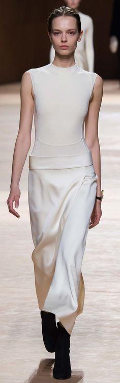 Hermès Fall 2015 Ready-to-Wear Collection Photos - Vogue Fashion Week, Runway Fashion, Fashion Show, Fashion Looks, Fashion Design, Paris Fashion, Women's Fashion, Vogue, Winter Mode