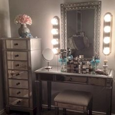 Mirrored Vanity Room