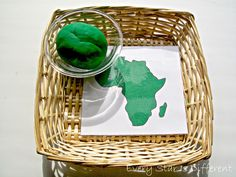 Montessori-inspired Africa play dough activity with free printable art Montessori-inspired Green Activities for Tots & Preschoolers w/ Free Printables Montessori Preschool, Montessori Elementary, Montessori Education, Montessori Materials, Playdough Activities, Preschool Activities, Africa Activities For Kids, Continents Activities, Dinosaur Activities