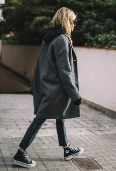 winter outfits hijab converse and jackets - winteroutfits Fashion Mode, Modest Fashion, Look Fashion, Korean Fashion, Fashion Outfits, Fashion Trends, 2000s Fashion, Fashion Hats, Fashion 2020