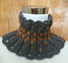 Stitch Story: How to Make a Cowl with the Ruffles Scarf Pattern