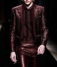 Lucky Blue in Balmain Fashion Moda, Suit Fashion, Leather Fashion, Runway Fashion, High Fashion, Fashion Show, Mens Fashion, Fashion Design, Mode Man