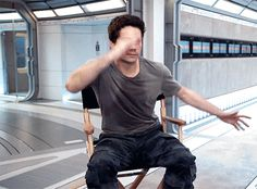 Dylan O´Brien - The Death Cure bts gif