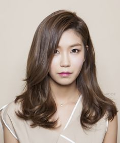 Most current Photographs Straight Hairstyle korean Tips This copyrighted super simple pottery clothing for hair straightner hair straighteners make an even Permed Hairstyles, Straight Hairstyles, Korean Perm, Inspo Cheveux, Medium Hair Styles, Short Hair Styles, Air Dry Hair, Types Of Curls, Asian Hair