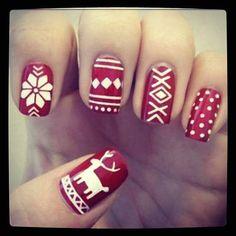 http://cdn1.stbm.it/girlpower/gallery/foto_gallery/bellezza/nail-art-di-natale-da-instagram/nail-art-fashionchic_4ever.jpeg?-3600