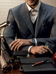 the-suit-man:  Suits and mens fashion inspiration: http://the-suit-man.tumblr.com/   chateau-de-luxe.tumblr.com