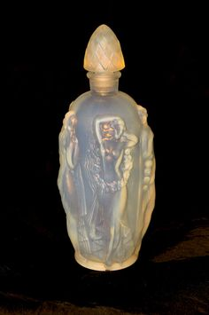 Sabino signed perfume bottle. Opalescent glass of the Art Deco Period.