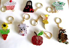 Keyrings (3) by yorkshirelass49, via Flickr. Quilling Quilling Keychains, Paper Quilling Earrings, 3d Quilling, Quilling Patterns, Quilling Designs, Quilling Ideas, Paper Quilling Tutorial, Quilled Paper Art, Quilling Paper Craft