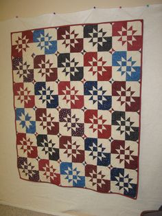 Gorgeous Disappearing Hourglass quilt by on the Quilting Board. Blue Quilts, Star Quilts, Quilt Blocks, Quilting Designs, Quilting Ideas, Layer Cake Quilts, Japanese Patchwork, Nine Patch Quilt, Patriotic Quilts