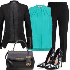 Bella ed elegante con questo outfit composto da pantaloni neri a vita alta, camicetta con colletto alla coreana, blazer, borsa a mano con chiusura magnetica e delle bellissime décolleté tacco 12.