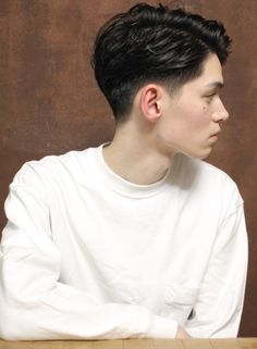 Men Haircut Curly Hair, Asian Man Haircut, Short Hair Undercut, Young Man Haircut, Korean Haircut Men, Korean Men Hairstyle, Korean Short Hair, Shot Hair Styles, Hair And Beard Styles