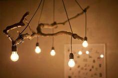luminária de galhos
