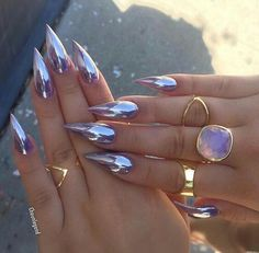 P I N T E R E S T ; ♡ @reevatman ♡ ⠀⠀⠀⠀⠀⠀⠀⠀⠀⠀⠀⠀⠀⠀⠀⠀⠀⠀⠀ Nails , Claws , Holographic , Almond