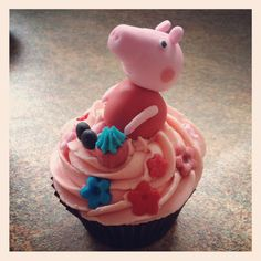 Peppa pig cupcake