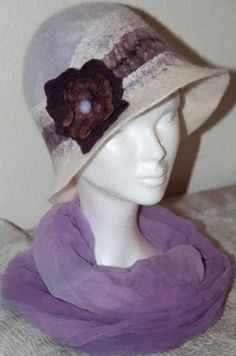 Felt hat. Felt Hat, Creations, Beanie, Trending Outfits, Hats, Unique Jewelry, Handmade Gifts, Vintage, Fashion