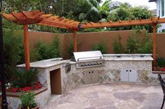 pergola--- but I want it a full square with some stuff growing on it.