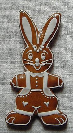 PETER COTTONTAIL~GINGERBREAD RABBIT COOKIE Easter Cookies, Holiday Cookies, Sugar Cookies, Baby Girl Cookies, Easter Brunch, Happy Easter, Cookie Decorating, Gingerbread Cookies, Easter Eggs