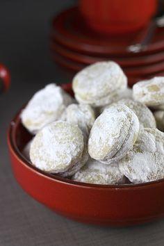 Provereni recepti by Maja Babić: Vanilice Macedonian Food, Kolaci I Torte, Paella Recipe, Croatian Recipes, Sandwich Cookies, Cake Cookies, English Food, Malu, Dessert Recipes