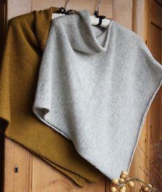 This Easy Folded Poncho mixes Danish designer Marianne Isager's Alpaca Merino 2 for softness and drape with Spinni Wool 1 for crispness—the best of both worlds.