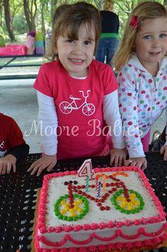 Moore babies: {Bike Birthday Party} The Cake Bicycle Birthday Parties, Bicycle Party, Bicycle Cake, 4th Birthday Parties, Bike Cakes, Custom Birthday Shirts, Personalized Birthday Shirts, Harry Birthday, Boy Birthday