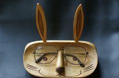 ぬくもりある木彫りうさちゃんの顔にメガネを休ませてください。|ハンドメイド、手作り、手仕事品の通販・販売・購入ならCreema。