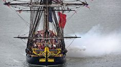 Hermione arrives in Yorktown to fanfare, will be open for tours this weekend (June 5, 2015)