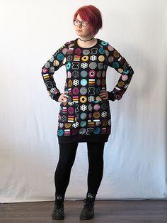 LEENA tunika, Sweet Candy | ehta. Malli, Christmas Sweaters, Candy, Sweet, Clothing, Style, Fashion, Tunic, Outfits