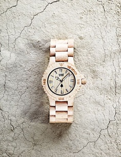 Lovely wood watch | THE DATE beige | http://www.kish.nl/WeWOOD-date-beige/