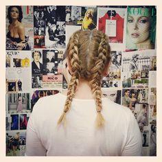 Boxer braids o trenzas de boxeadora. Super tendencia esta temporada.        #boxerbraids #trends #fashion #hair #hairdresser #tendencias #estilo #peluqueria #peluqueriagijon #asturias