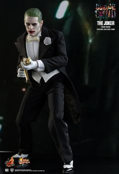 Hot Toys : Suicide Squad - The Joker (Tuxedo Version) 1/6th scale Collectible Figure
