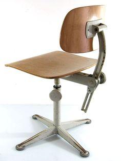 Friso Kramer adjustable plywood chair by BomDesignFurniture