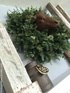 Rustice cow head wreath from @Candace @ Vintage News Junkie