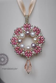 Tutorial Big Iris pendant with pearls and super tutorial C .- Tutorial Ciondolo Big Iris con perle e superduo Tutorial Ciondolo Big Iris con… Tutorial Big Iris pendant with pearls and superduo Tutorial Big Iris pendant with pearls and superduo - Bead Jewellery, Seed Bead Jewelry, Bead Earrings, Pendant Jewelry, Beaded Jewelry, Handmade Jewelry, Beaded Necklace, Necklaces, Flower Jewelry
