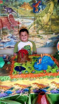 Maribel de Puerto Rico, nos ha mandado esta foto del 5º cumpleaños de Sebastián y sus dinosaurios. Gracias Maribel Nos encanta !!!!