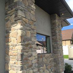 Love the look of our @gsharrisco Ridgestone (Color: Arcadian) ----- www.KodiakMountain.com ----- #KodiakMountainStone  #HomeBuilding #HomeBuilder #HomeBuilders #CustomHomes #Luxury #LuxuryHome #Construction #RealEstate #fireplace #architect #designer #con Exterior House Colors, Home Builders, Custom Homes, Luxury Homes, Building A House, Real Estate, Construction, Mountains, Stone