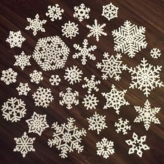 Made more ❄️snowflakes❄️I think this will be enough for my project :) (mede mogelijk gemaakt door @asteijns )