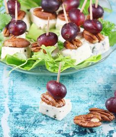 Koreczki | AniaGotuje.pl Cheddar, Dairy, Cheese, Impreza, Fruit, Recipes, Food, Home Kitchens, Salad