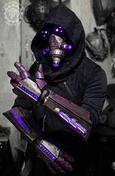 The summoner - light up cyberpunk gauntlets + mask by TwoHornsUnited.deviantart.com on @DeviantArt