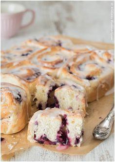 Kleines Kulinarium: Blaubeer-Frischkäse-Schnecken oder neudeutsch: Blueberry-Cheesecake-Rolls